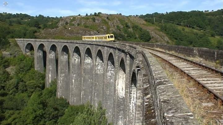 CFHA, sur le viaduc de Barajol